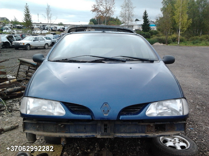 Used Car Parts Foto 1 Renault MEGANE SCENIC 1997 1.6 Mechanical Minivan 4/5 d. Blue 2013-9-02 A1096