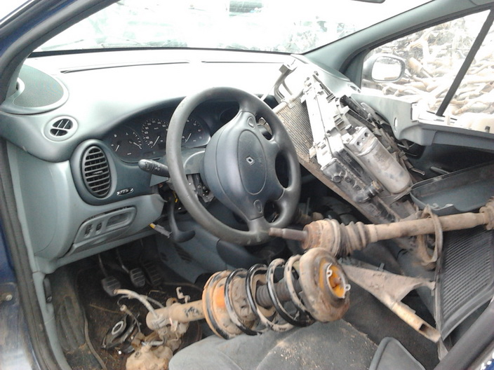 Used Car Parts Foto 4 Renault MEGANE SCENIC 1997 1.6 Mechanical Minivan 4/5 d. Blue 2013-9-02 A1096