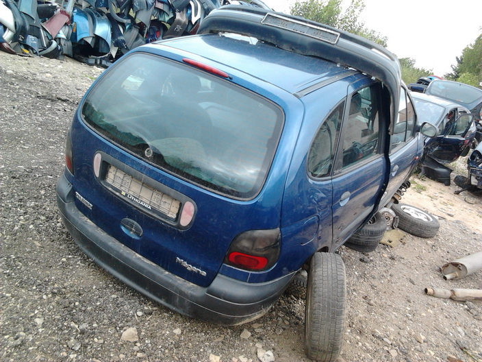 Used Car Parts Foto 6 Renault MEGANE SCENIC 1997 1.6 Mechanical Minivan 4/5 d. Blue 2013-9-02 A1096