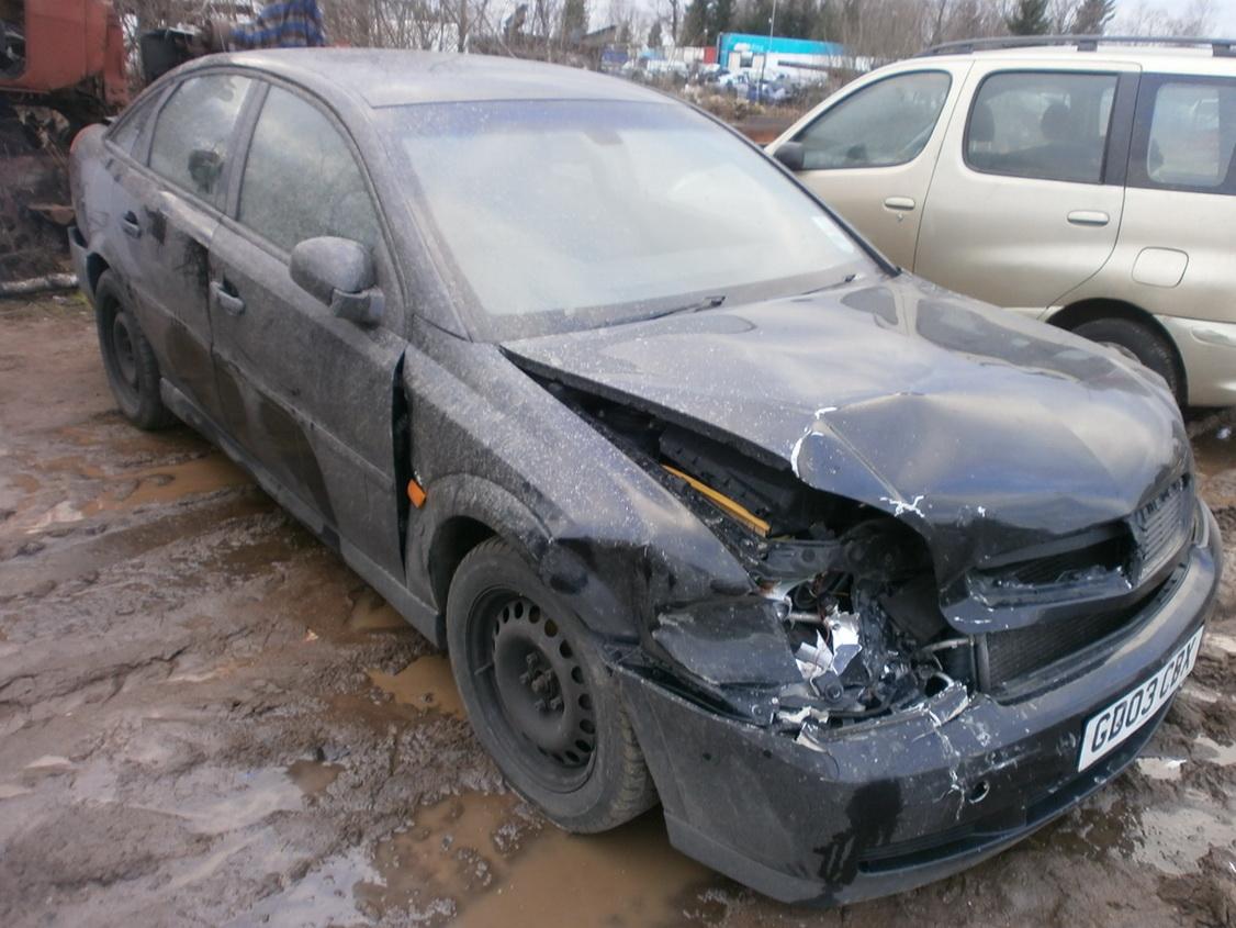 Naudotos automobiliu dallys Foto 3 Opel VECTRA 2003 2.0 Mechaninė Hačbekas 4/5 d. Juoda 2013-12-13 A1260