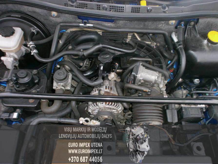 Naudotos automobiliu dallys Foto 8 Mazda RX-8 2004 2.6 Mechaninė Sedanas 4/5 d. Melyna 2014-2-10 A1341