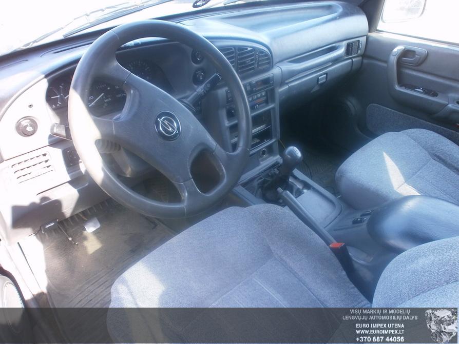 Naudotos automobiliu dallys Foto 4 SsangYong MUSSO 1996 2.9 Mechaninė Visureigis 4/5 d. Žalia 2014-4-03 A1452