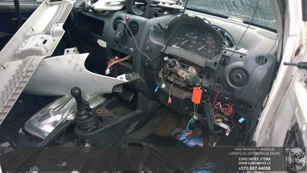Naudotos automobiliu dallys Foto 4 Peugeot PARTNER 2004 2.0 Mechaninė Komercinis 4/5 d. Balta 2014-4-23 A1518