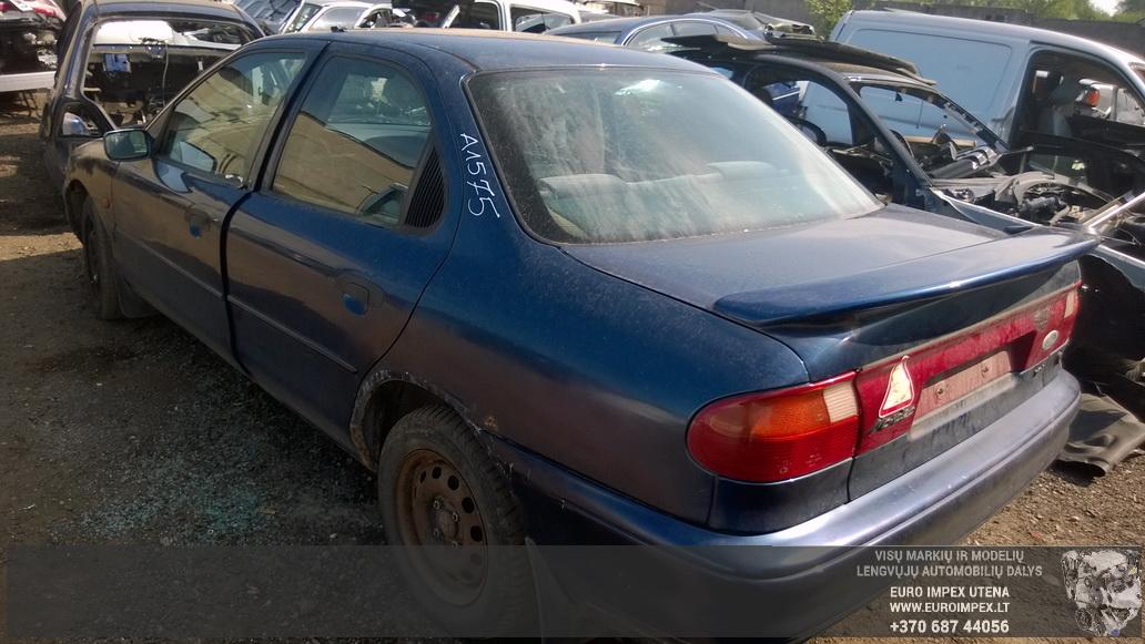 Naudotos automobiliu dallys Foto 6 Ford MONDEO 1992 1.8 Mechaninė Sedanas 4/5 d. Melyna 2014-5-26 A1575