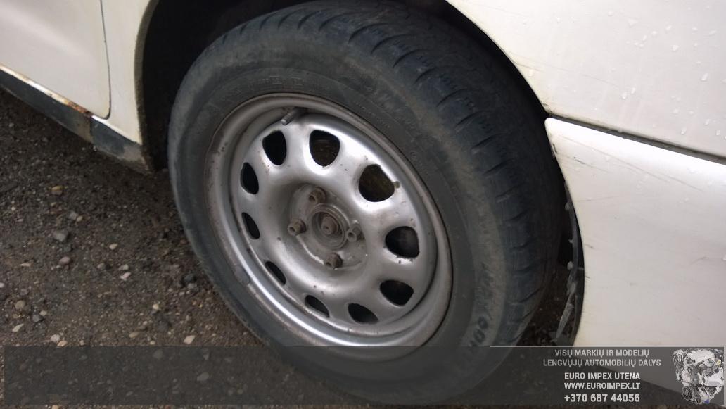 Naudotos automobiliu dallys Foto 5 Volkswagen POLO 1998 1.4 Mechaninė Universalas 4/5 d. Balta 2014-6-02 A1595