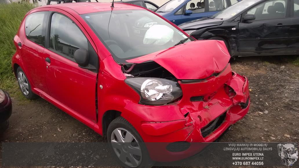 Naudotos automobilio dalys Toyota AYGO 2009 1.0 Mechaninė Hačbekas 2/3 d. Raudona 2014-6-02