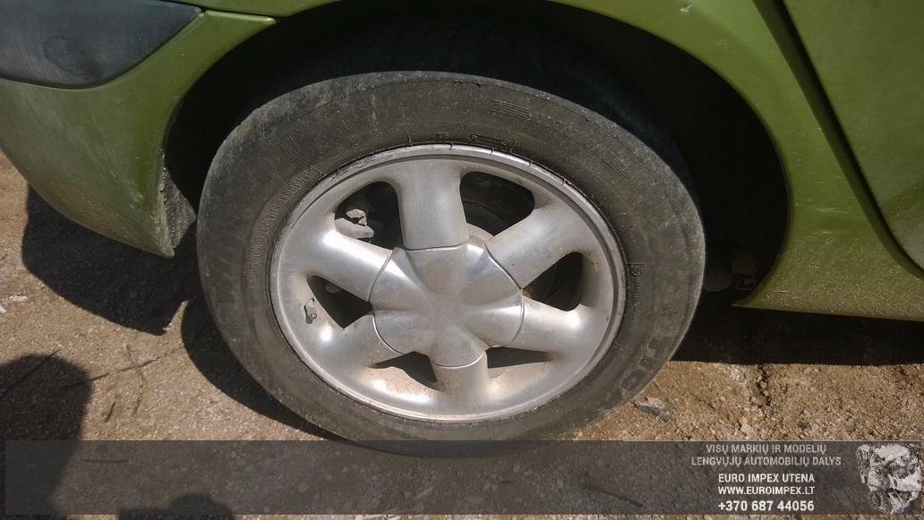 Naudotos automobiliu dallys Foto 4 Renault MEGANE SCENIC 2001 1.6 Mechaninė Vienatūris 4/5 d. Žalia 2014-7-16 A1674