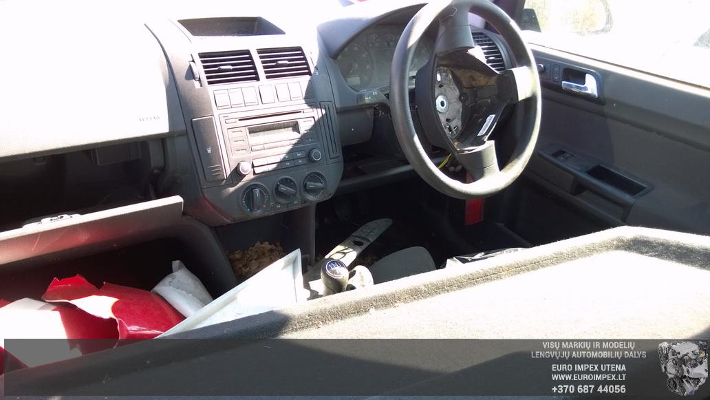 Подержанные Автозапчасти Foto 5 Volkswagen POLO 2006 1.2 машиностроение хэтчбэк 4/5 d. черный 2014-7-26 A1697