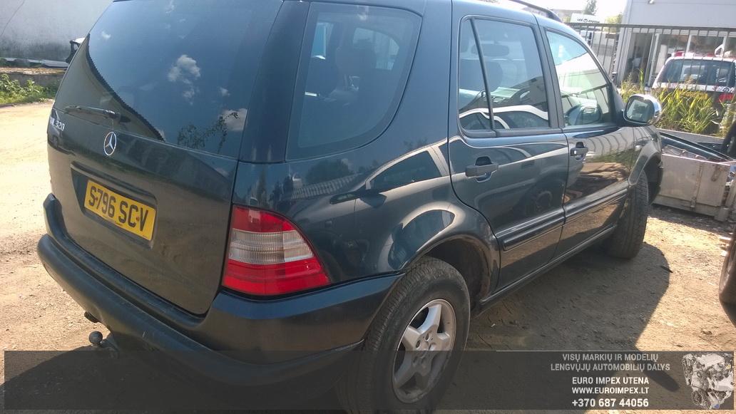 Naudotos automobiliu dallys Foto 5 Mercedes-Benz ML-CLASS 1999 3.2 Automatinė Visureigis 4/5 d. Juoda 2014-7-29 A1706