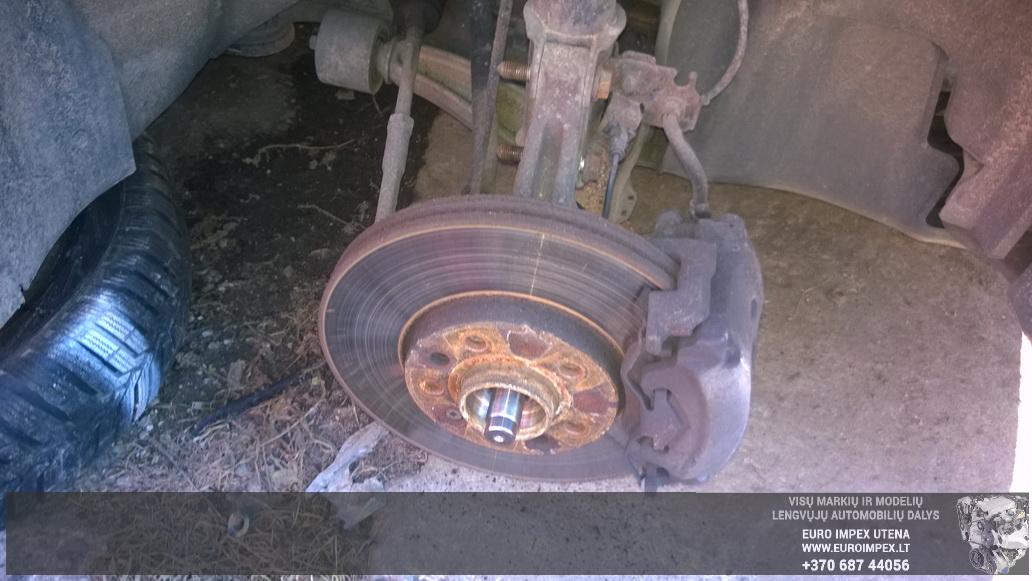 Naudotos automobiliu dallys Foto 4 Opel VECTRA 2003 1.8 Mechaninė Sedanas 4/5 d. Juoda 2014-10-23 A1875