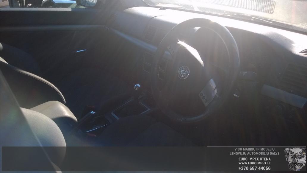 Naudotos automobiliu dallys Foto 5 Opel VECTRA 2003 1.8 Mechaninė Sedanas 4/5 d. Juoda 2014-10-23 A1875