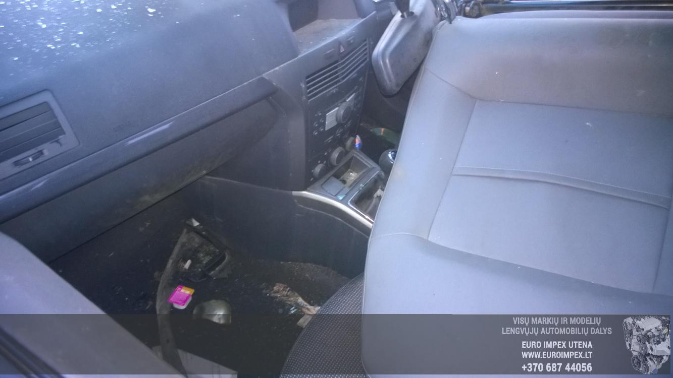 Naudotos automobiliu dallys Foto 7 Opel ASTRA 2005 1.6 Mechaninė Hačbekas 4/5 d. Melyna 2014-11-11 A1914