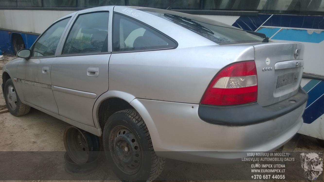 Naudotos automobiliu dallys Foto 5 Opel VECTRA 1996 1.8 Automatinė Hačbekas 4/5 d. Pilka 2014-11-17 A1926