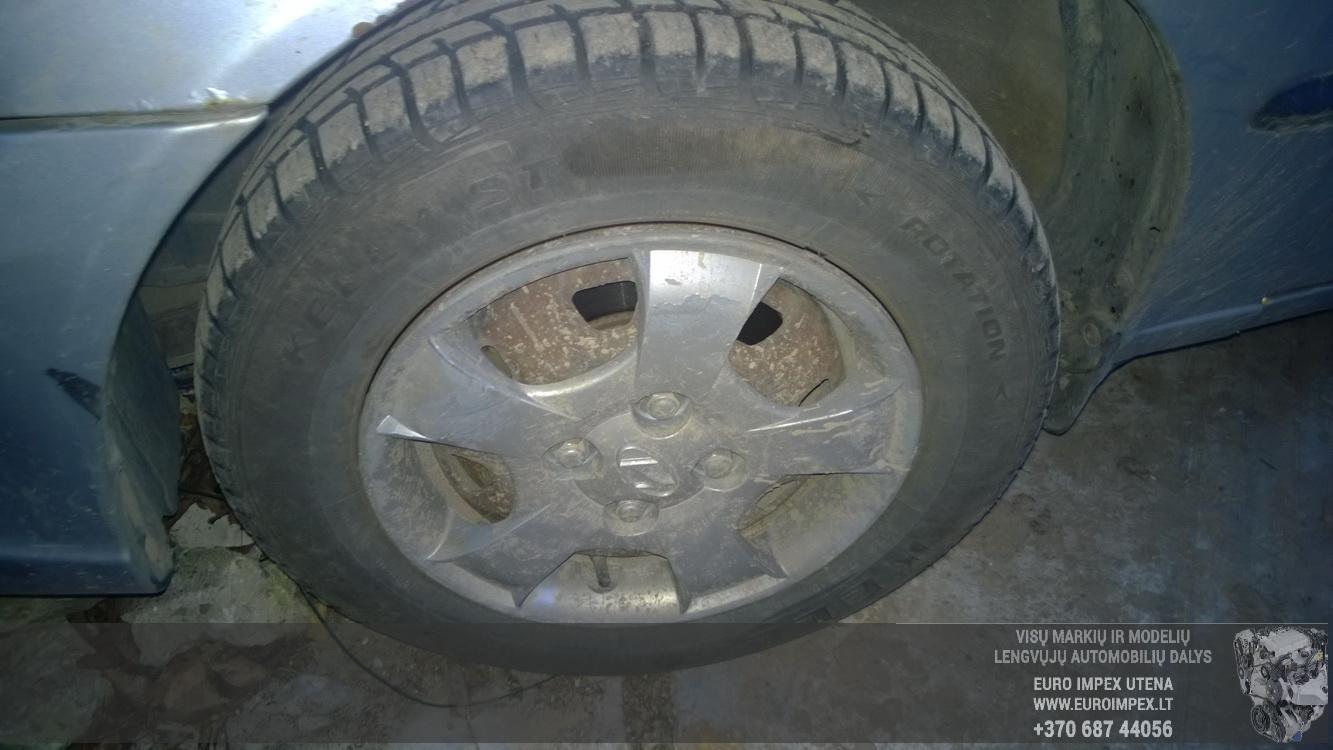 Naudotos automobiliu dallys Foto 4 Hyundai ACCENT 2002 1.3 Mechaninė Hačbekas 4/5 d. Pilka 2014-11-19 A1930