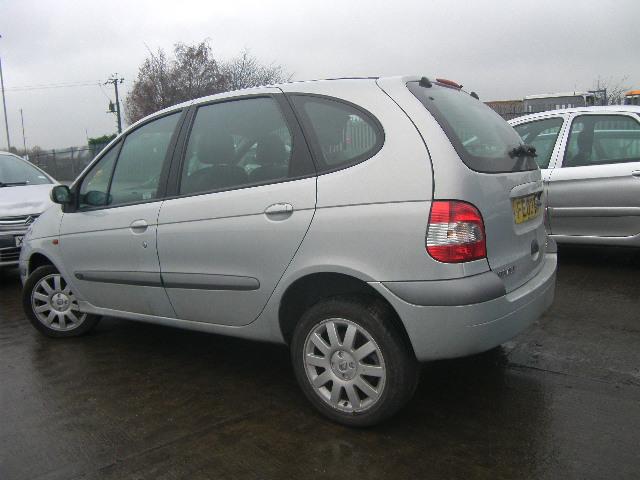 Naudotos automobiliu dallys Foto 2 Renault SCENIC 2003 1.9 Mechaninė Vienatūris 4/5 d. Pilka 2015-1-07 A2004