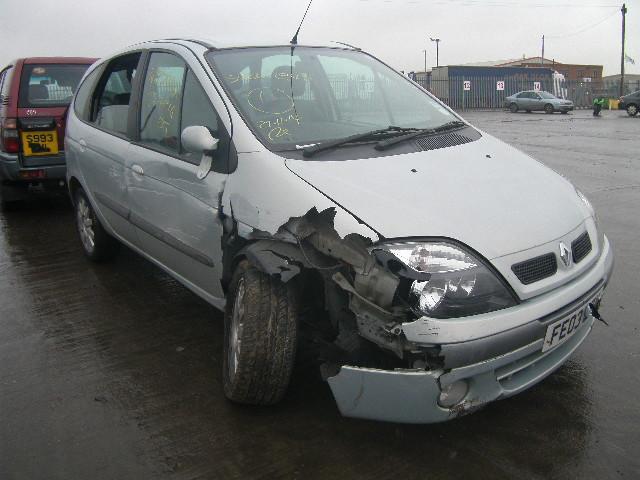 Naudotos automobiliu dallys Foto 4 Renault SCENIC 2003 1.9 Mechaninė Vienatūris 4/5 d. Pilka 2015-1-07 A2004