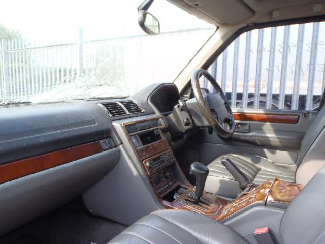 Naudotos automobiliu dallys Foto 5 Land Rover RANGE ROVER 1999 4.6 Automatinė Visureigis 4/5 d. Pilka 2015-2-09 A2095