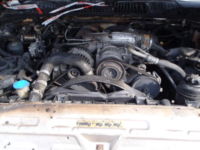 Naudotos automobiliu dallys Foto 7 Land Rover RANGE ROVER 1999 4.6 Automatinė Visureigis 4/5 d. Pilka 2015-2-09 A2095