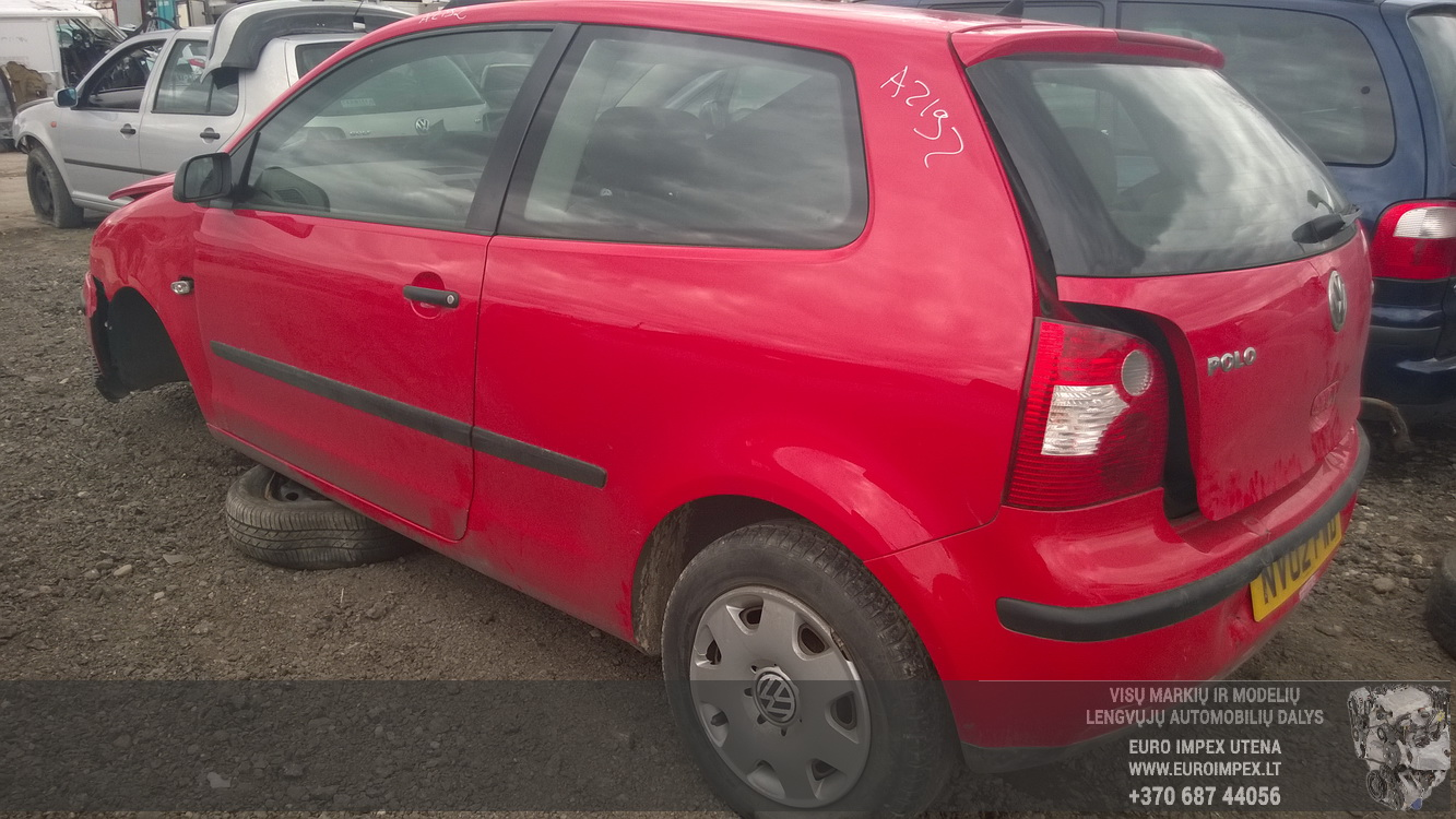 Naudotos automobilio dalys Volkswagen POLO 2002 1.2 Mechaninė Hačbekas 2/3 d. Raudona 2015-4-22