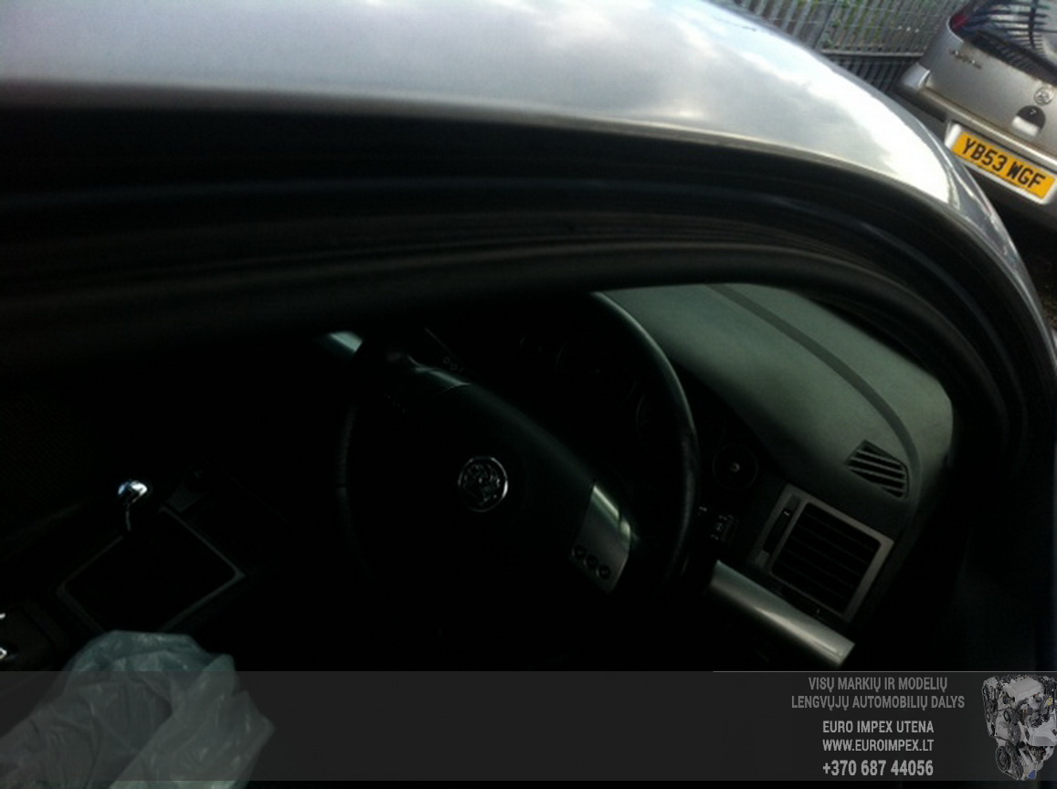 Naudotos automobiliu dallys Foto 4 Opel SIGNUM 2004 2.2 Mechaninė Hačbekas 4/5 d. Pilka 2015-6-29 A2254