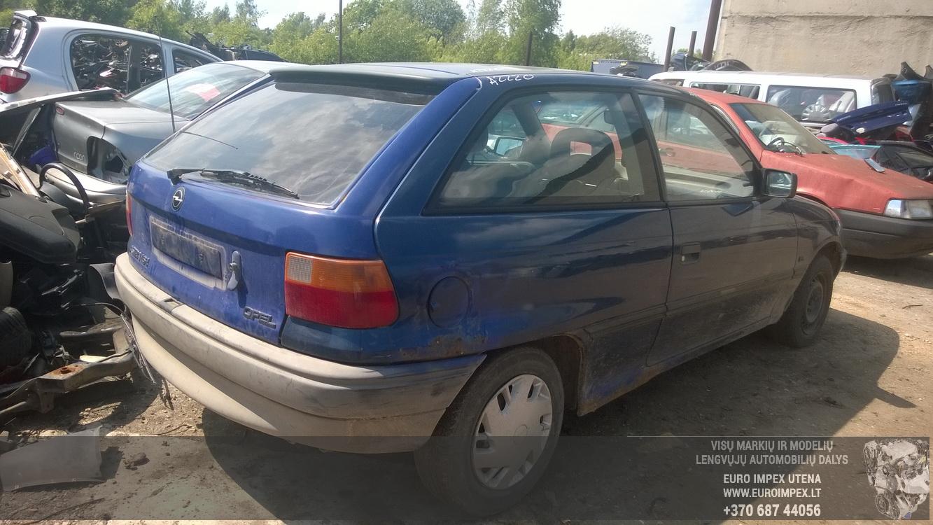 Naudotos automobiliu dallys Foto 7 Opel ASTRA 1992 1.6 Mechaninė Hačbekas 2/3 d. Melyna 2015-6-02 A2220
