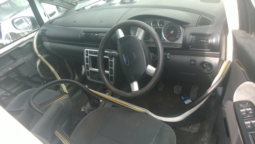 Naudotos automobiliu dallys Foto 5 Ford GALAXY 2002 2.8 Mechaninė Vienatūris 4/5 d. Balta 2015-6-17 A2241