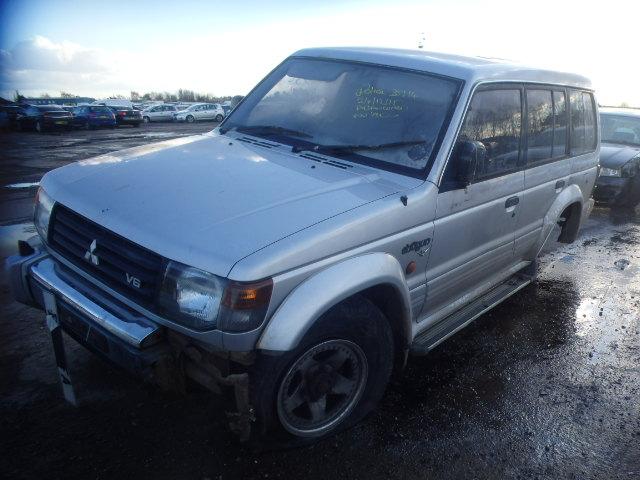 Naudotos automobilio dalys Mitsubishi PAJERO 1993 3.0 Automatinė Visureigis 4/5 d. Pilka 2016-3-09