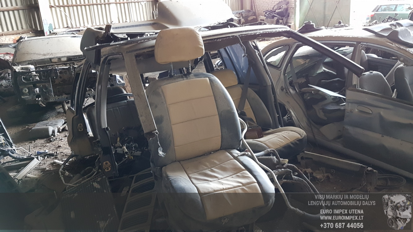 Naudotos automobiliu dallys Foto 3 Jeep GRAND CHEROKEE 1996 5.2 Automatinė Visureigis 4/5 d. Melyna 2016-5-16 A2786