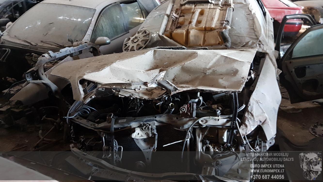 Naudotos automobiliu dallys Foto 2 Honda LEGEND 1997 3.5 Automatinė Sedanas 4/5 d. Violetine 2016-5-23 A2796