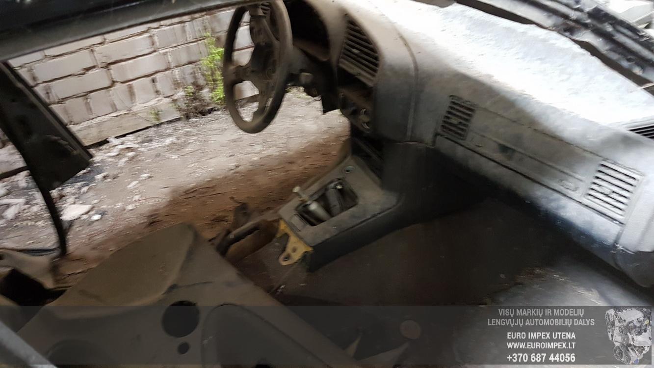 Naudotos automobiliu dallys Foto 5 BMW 3-SERIES 1994 1.8 Mechaninė Sedanas 4/5 d. Juoda 2016-5-25 A2807
