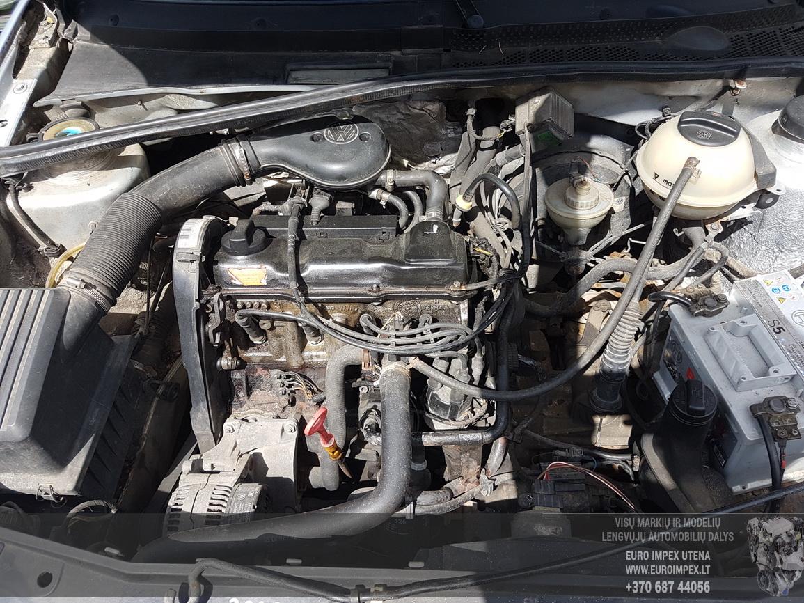 Naudotos automobiliu dallys Foto 8 Volkswagen GOLF 1992 1.8 Mechaninė Hečbekas 2/3 d. Pilka 2016-6-09 A2840