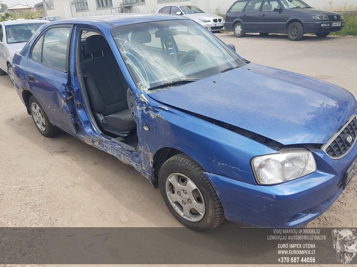 Naudotos automobiliu dallys Foto 3 Hyundai ACCENT 2002 1.5 Automatinė Hečbekas 4/5 d. Melyna 2016-6-30 A2882