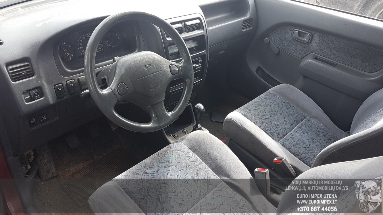 Naudotos automobiliu dallys Foto 7 Daihatsu GRAN MOVE 2000 1.6 Mechaninė Vienatūris 4/5 d. Raudona 2016-8-31 A2963