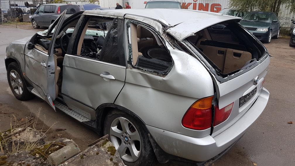 Naudotos automobilio dalys BMW X5 2001 4.4 Automatinė Visureigis 4/5 d. Pilka 2016-10-13