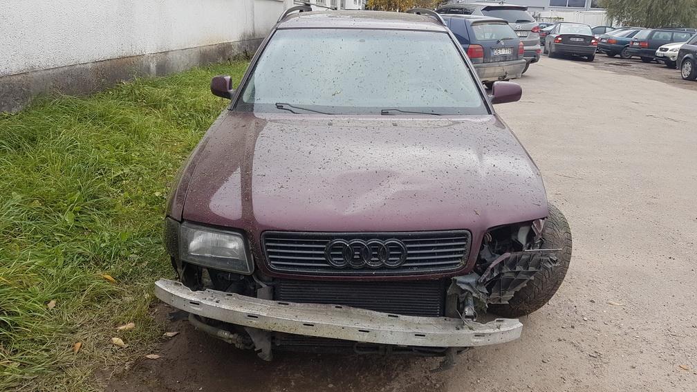Audi A4 1997 1.8 Mechaninė