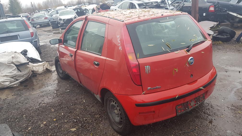 Naudotos automobilio dalys Fiat PUNTO 2004 1.2 Mechaninė Hečbekas 4/5 d. Raudona 2016-11-03