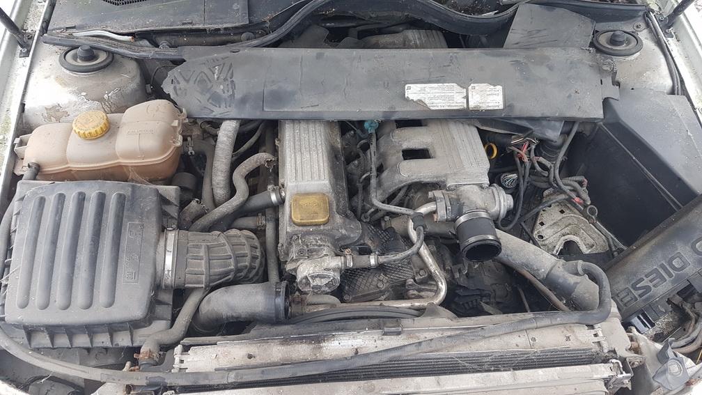 Naudotos automobiliu dallys Foto 8 Opel OMEGA 1995 2.5 Mechaninė Universalas 4/5 d. Balta 2016-11-25 A3079