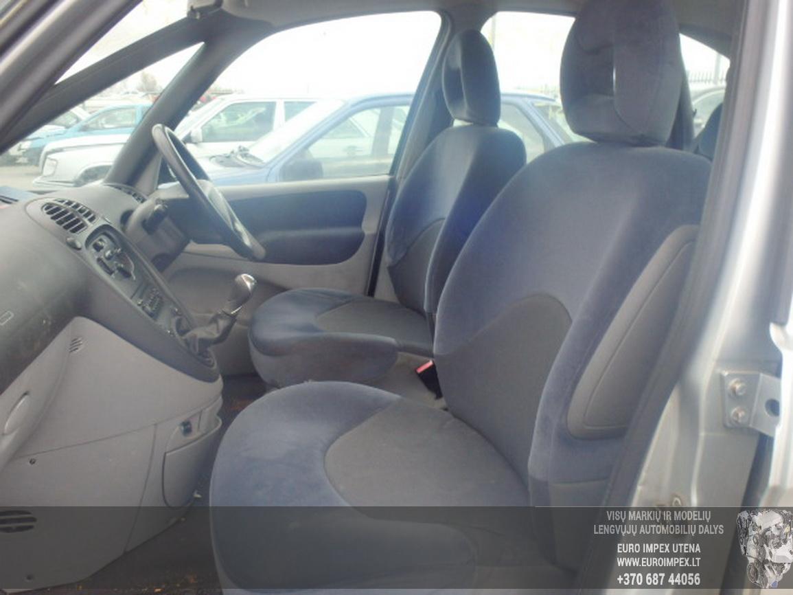 Naudotos automobiliu dallys Foto 5 Citroen XSARA PICASSO 2006 1.6 Mechaninė Vienatūris 4/5 d. Pilka 2015-12-21 A2509