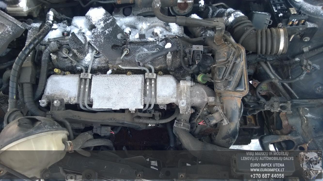 Naudotos automobiliu dallys Foto 8 Toyota AVENSIS 2004 2.0 Mechaninė Hečbekas 4/5 d. Melyna 2016-1-08 A2533