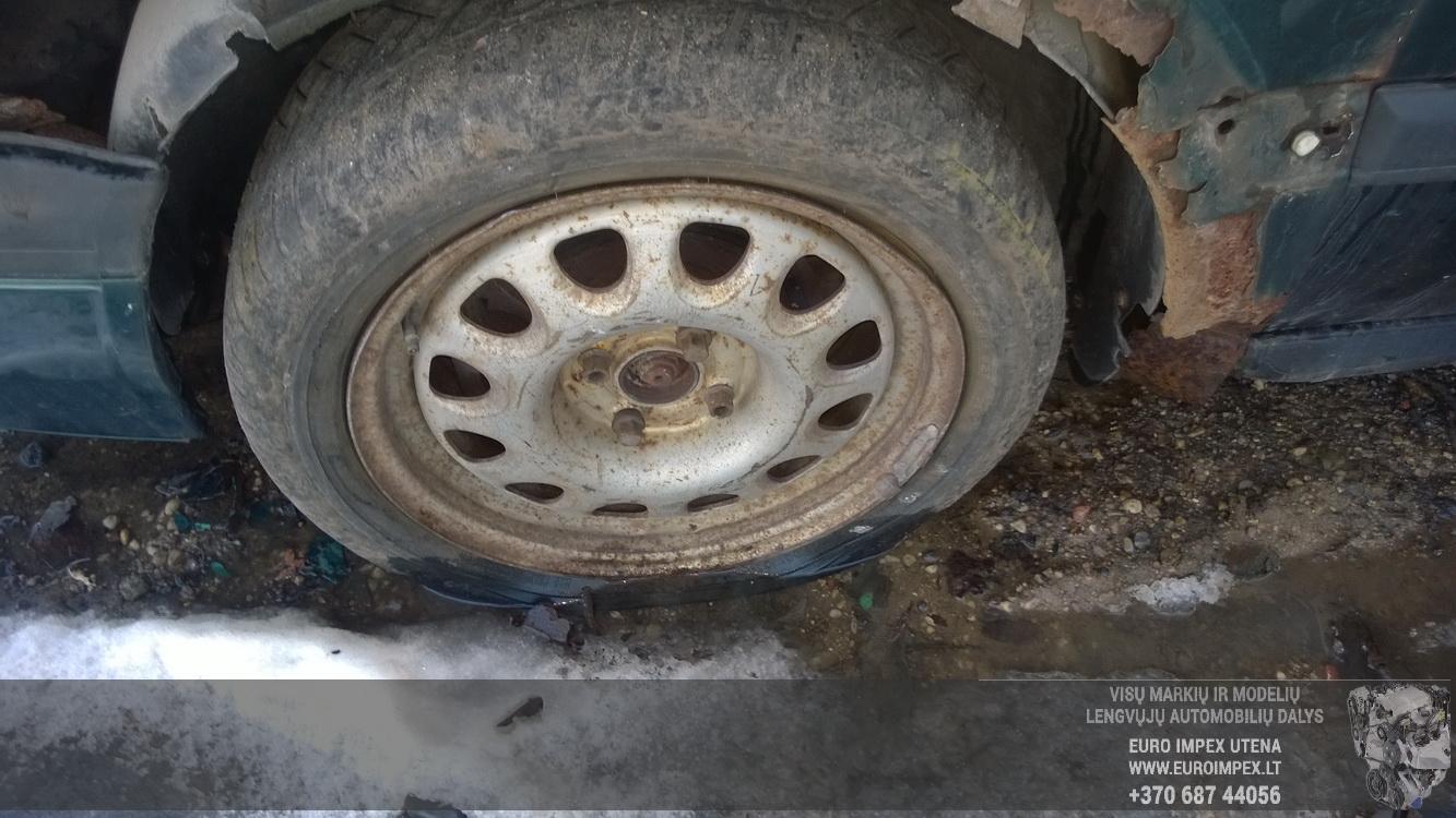 Naudotos automobiliu dallys Foto 4 Volkswagen GOLF 1998 1.9 Mechaninė Hečbekas 4/5 d. Zalia 2016-2-23 A2619