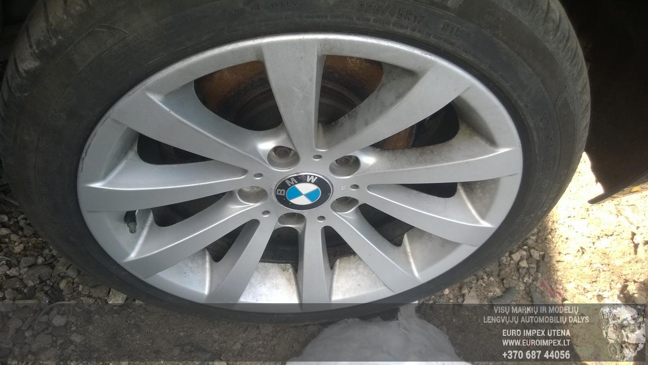 Naudotos automobiliu dallys Foto 4 BMW 3-SERIES 2009 2.0 Mechaninė Sedanas 4/5 d. Juoda 2016-4-11 A2703