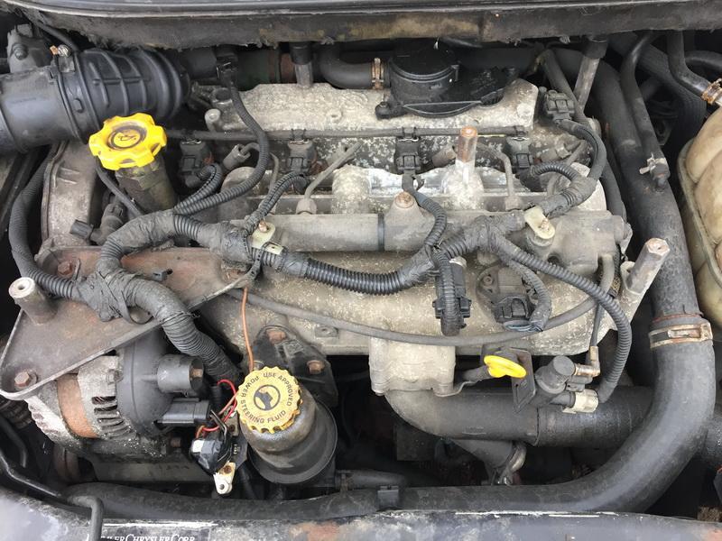 Naudotos automobiliu dallys Foto 2 Chrysler VOYAGER 2001 2.5 Mechaninė Vienatūris 4/5 d. Juoda 2018-11-09 A4179