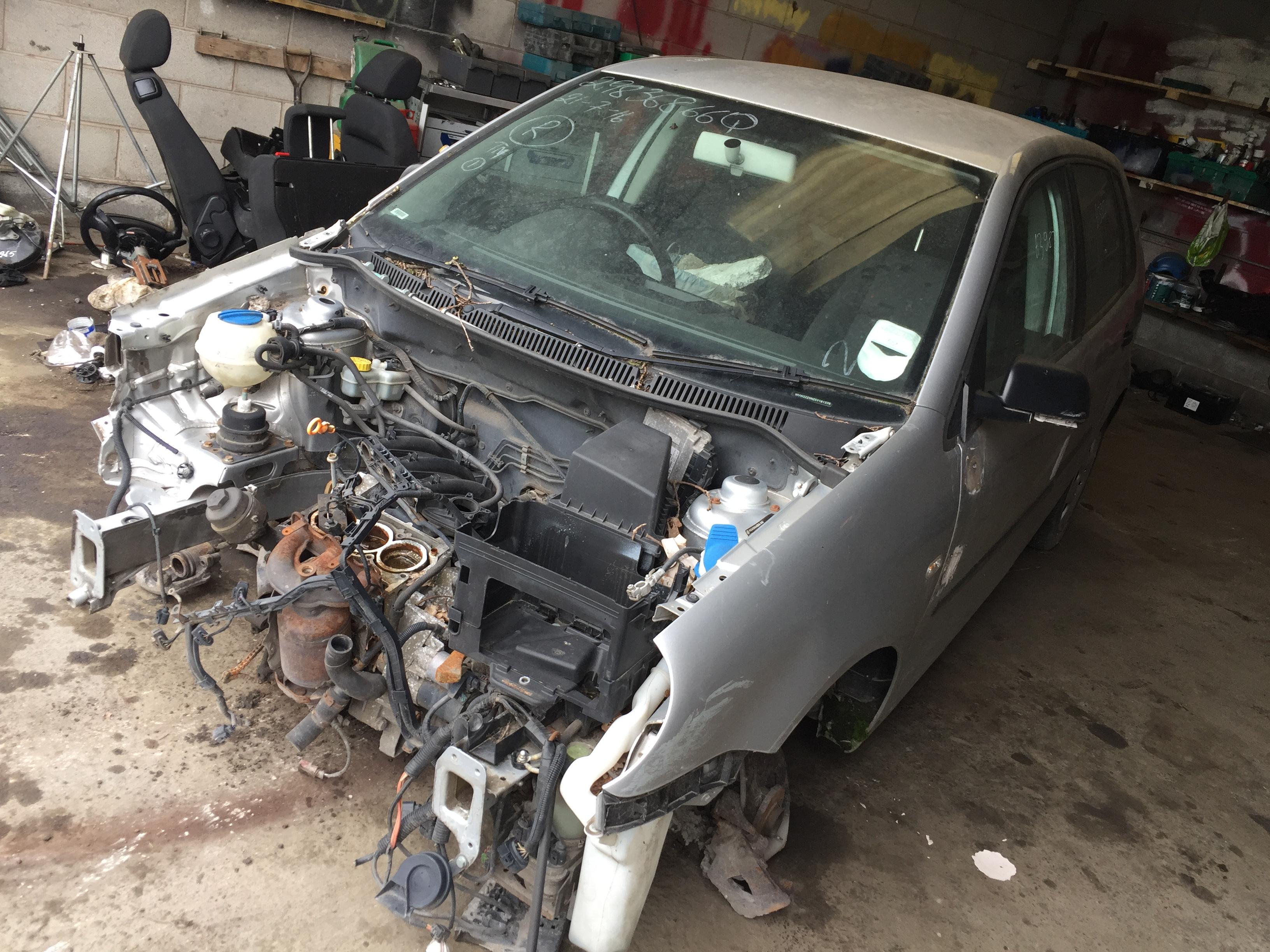 Naudotos automobilio dalys Volkswagen POLO 2005 1.2 Mechaninė Hečbekas 4/5 d. Sidabrine 2018-8-01