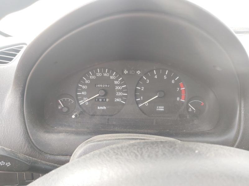 Naudotos automobilio dalys Mitsubishi CARISMA 1999 1.6 Mechaninė Sedanas 4/5 d. Juoda 2020-10-17