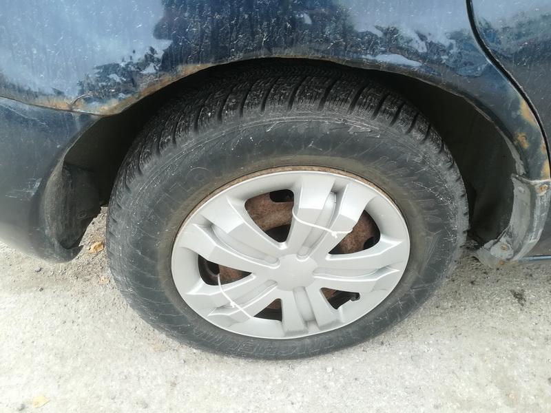 Naudotos automobiliu dallys Foto 9 Mazda 323F 1997 1.8 Automatinė Hečbekas 4/5 d. Melyna 2019-10-03 A4806