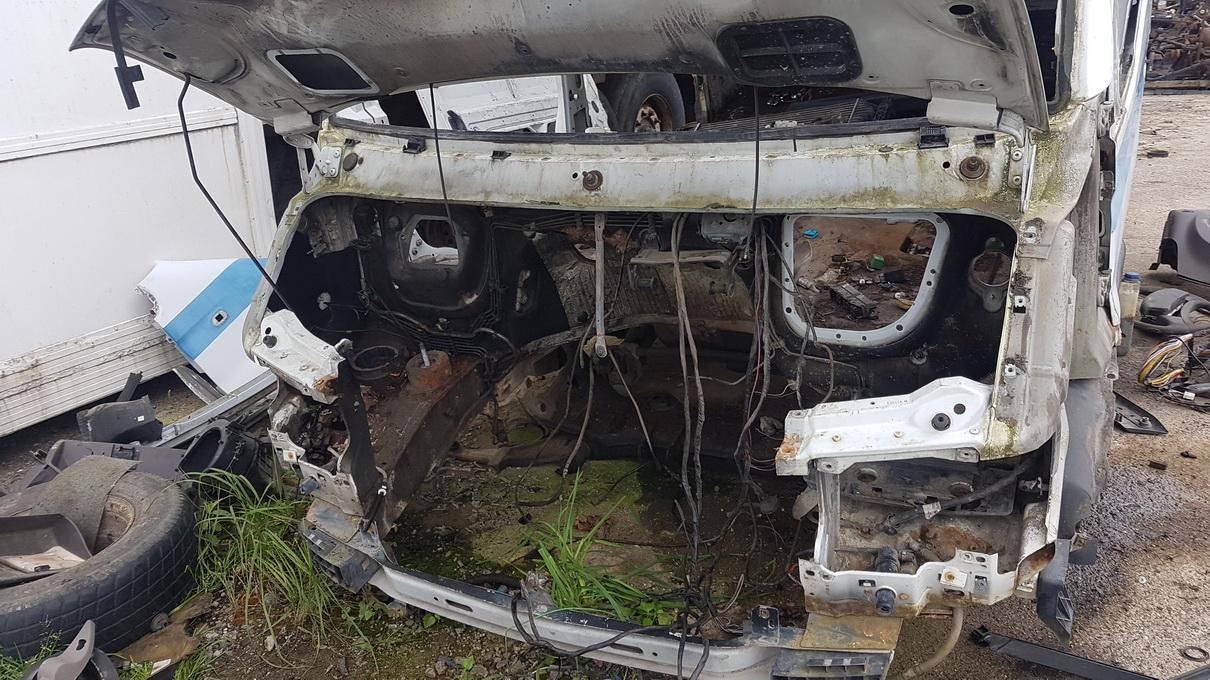 Naudotos automobiliu dallys Foto 2 Renault MASTER 1999 2.8 Mechaninė Komercinis 2/3 d. Balta 2017-7-26 A3376