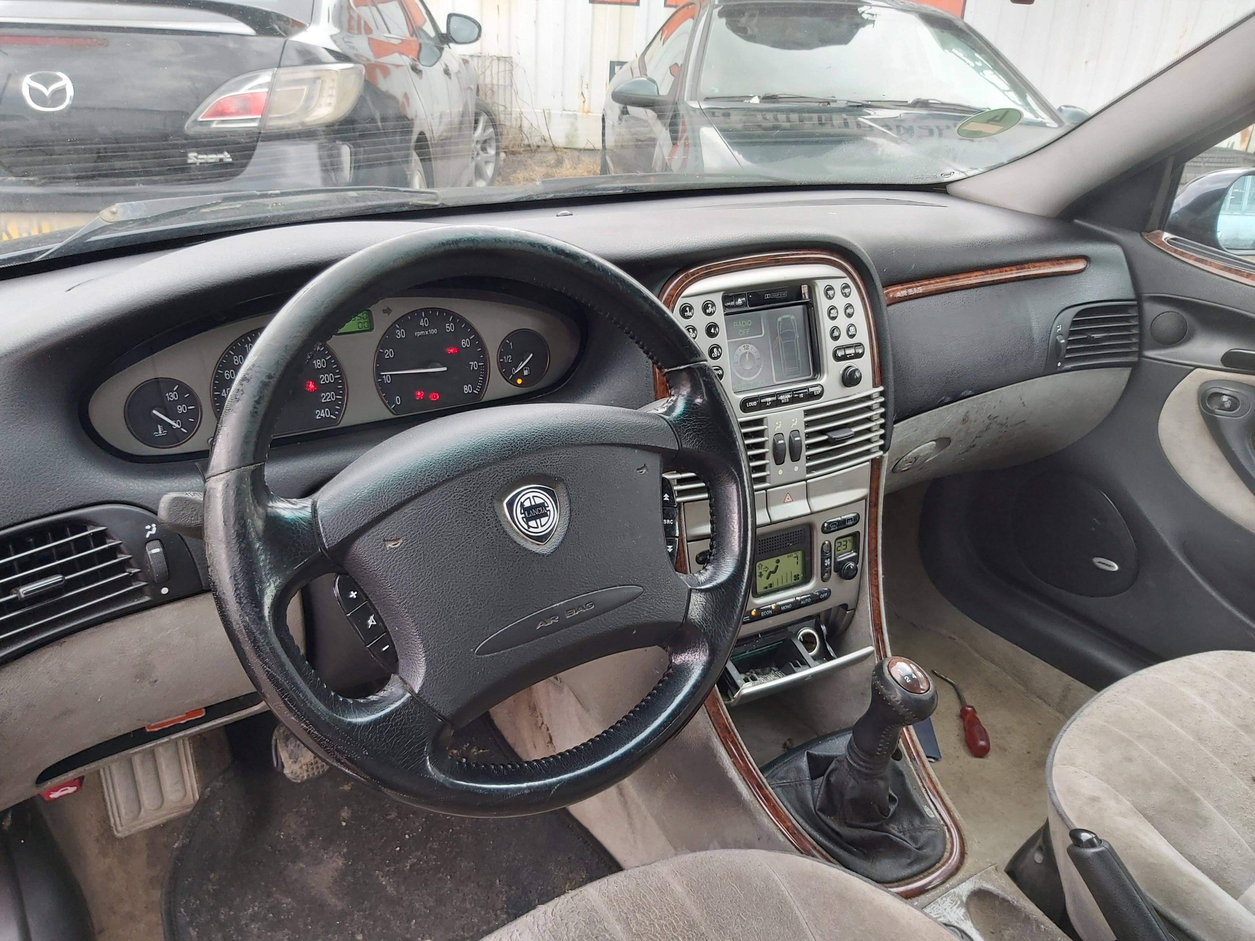 Naudotos automobilio dalys Lancia LYBRA 2002 1.8 Mechaninė Universalas 4/5 d. Melyna 2020-2-14