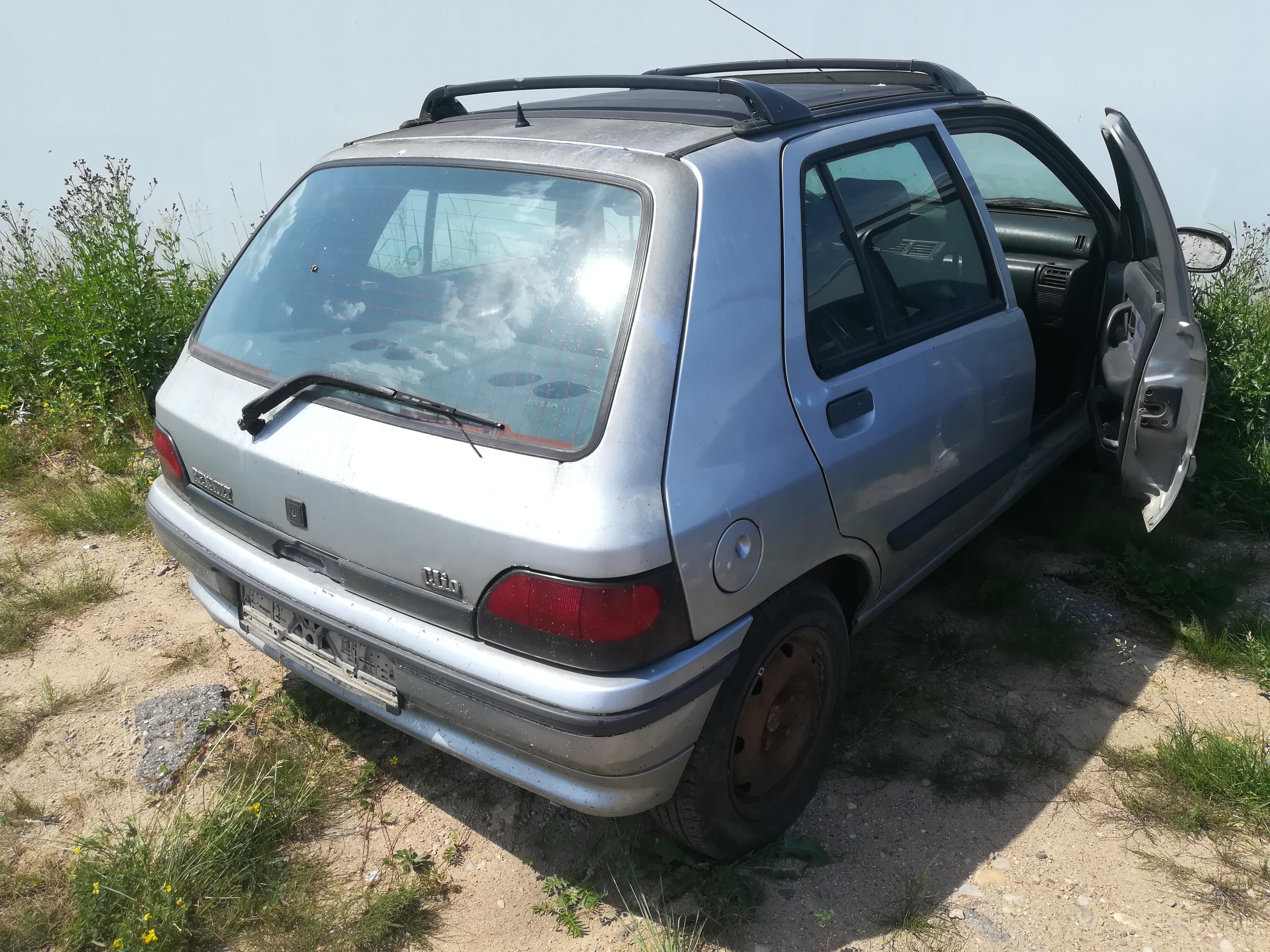 Naudotos automobilio dalys Renault CLIO 1995 1.8 Automatinė Hečbekas 4/5 d. Sidabrine 2019-6-26