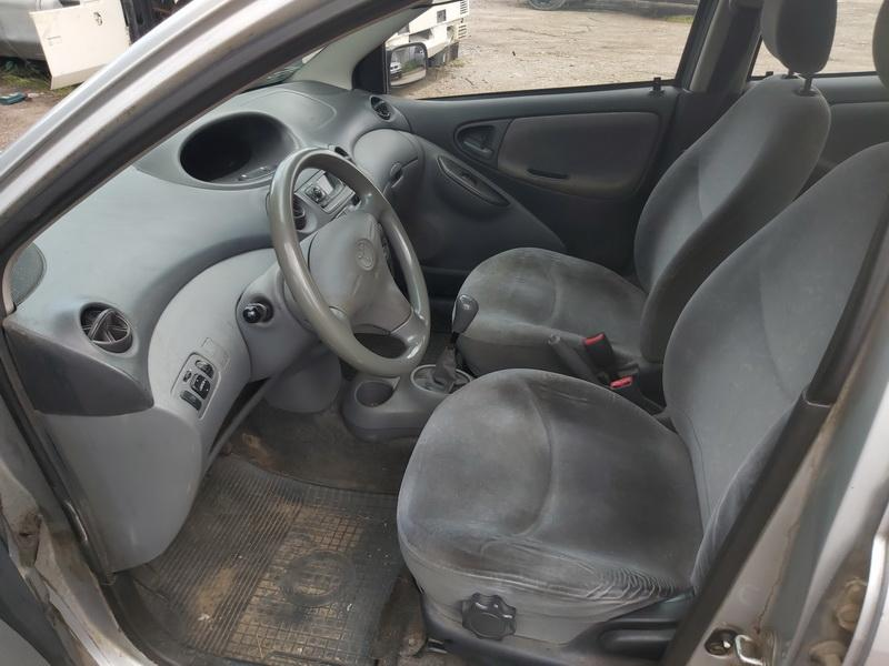 Used Car Parts Foto 5 Toyota YARIS 2000 1.0 Mechanical Hatchback 4/5 d. Grey 2020-7-29 A5476
