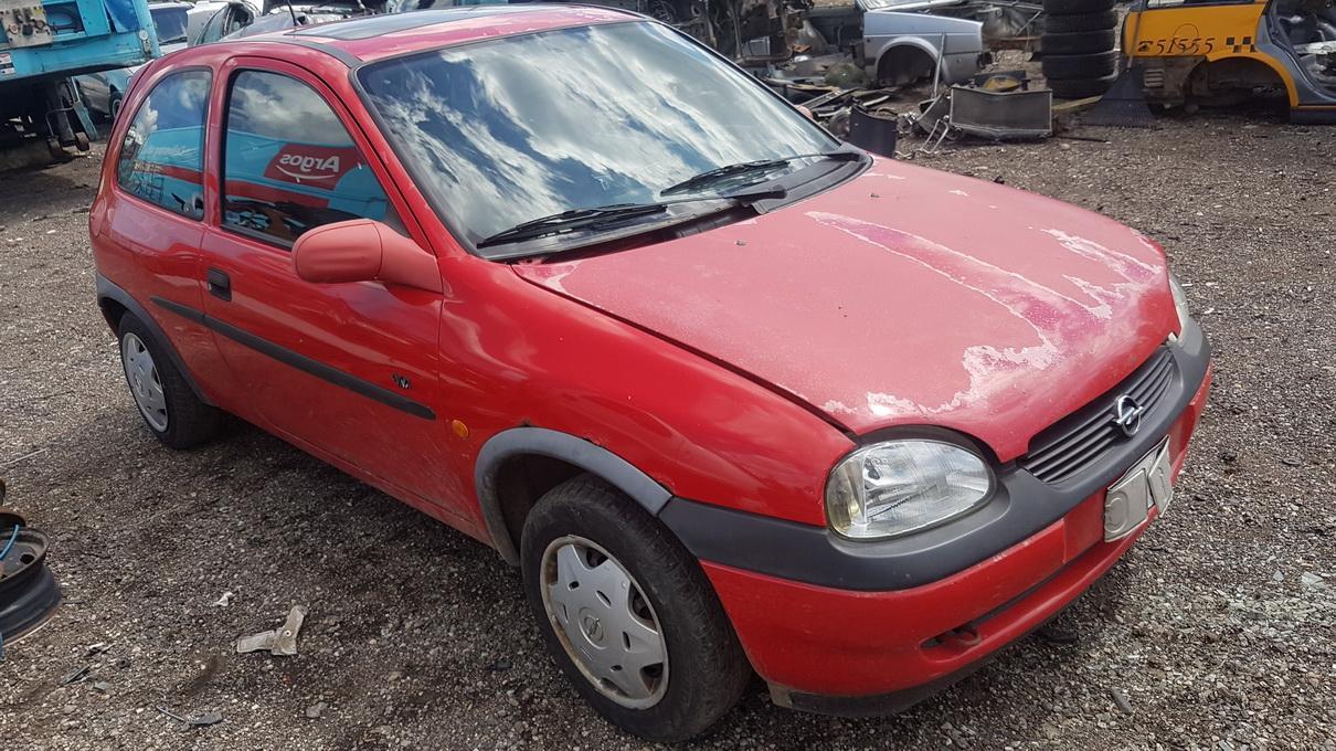 Подержанные Автозапчасти Foto 3 Opel CORSA 1998 1.0 машиностроение хэтчбэк 2/3 d. красный 2017-7-07 A3347